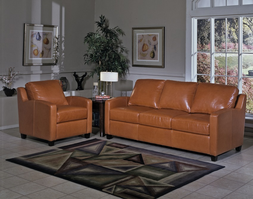 Leather reclining sofa from wellington 39 s for Chelsea leather sofa